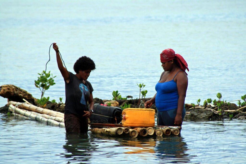 Women Fishing_Natokalau_2015_Mangubhai (7)_SMALL